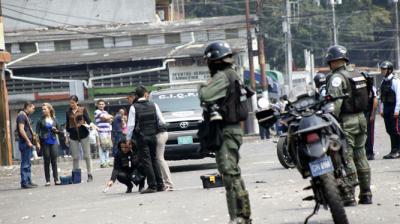 Acusan a estudiante venezolano de muertes de dos policías