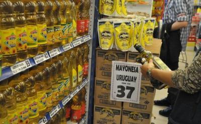 """Lucía Topolansky: Hay productos que dan un """"salto abismal"""" de precio cuando llegan a las grandes superficies"""