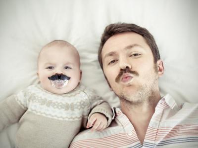 Los bebés no imitan a los adultos; estudio derrumba mito