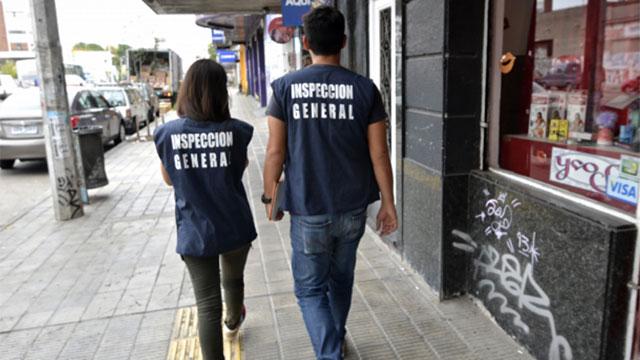 Intendencia de Montevideo identificó 184 comercios que violan normas de desecho de residuos