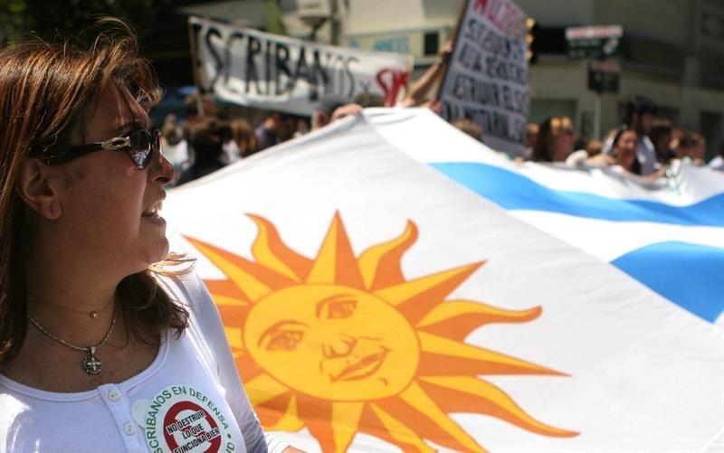 El 33% de los docentes de educación secundaria pública en Uruguay carece de título