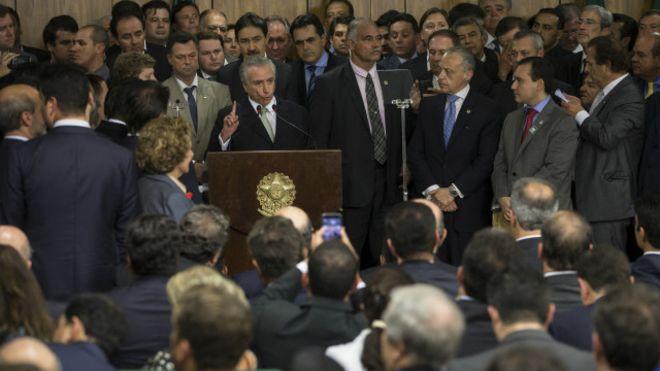 """Misoginia y racismo en el """"nuevo gobierno"""" de Brasil: un gabinete sin mujeres ni negros"""