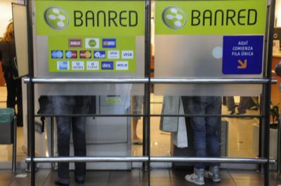 """""""Saldo insuficiente"""": Bancos bloquearon y cambiaron tarjetas por intentos de fraude"""