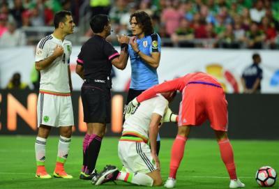 """""""Hagan algo, no tenemos peso de nada""""; Jugadores de Uruguay furiosos con dirigentes blandos de la AUF"""