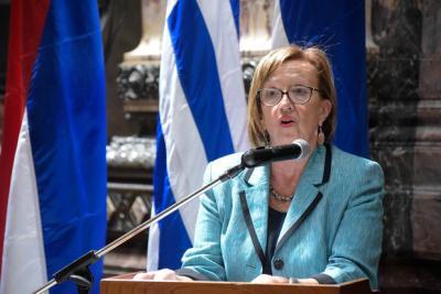 """De cómo la soberbia ministra no se baja del caballo: Muñoz dijo sentirse """"extrañada"""" por reacción de maestros"""