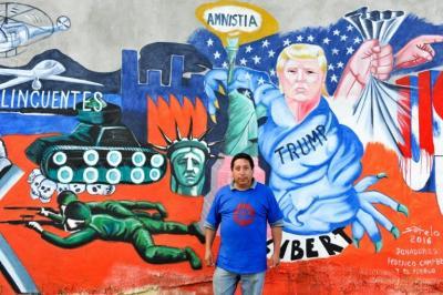 Trump decapita la estatua de la Libertad en un muro de México