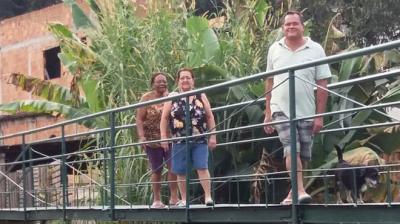 Los vecinos brasileños que hicieron un puente 54 veces más barato que lo estimado por su alcaldía