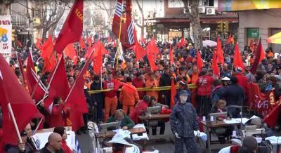 """Miles de trabajadores se movilizaron en Uruguay contra el """"ajuste"""" impuesto por el gobierno"""