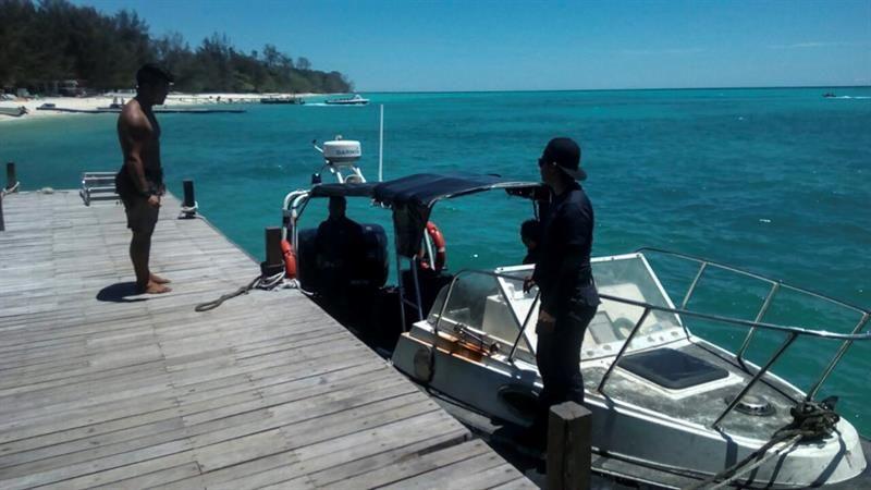 Hallan en Filipinas el cadáver del rehén canadiense decapitado