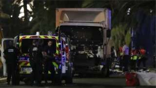 Masacre en Niza: al menos 84 muertos al arrollar un camión a una multitud que celebraba la fiesta nacional de Francia