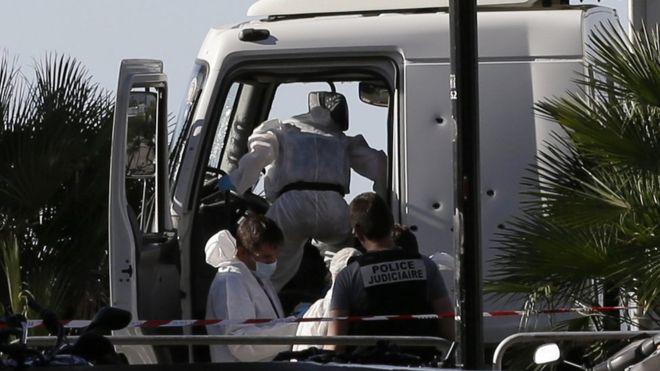 Atacante de Niza: Un hombre temible pero sin historial extremista
