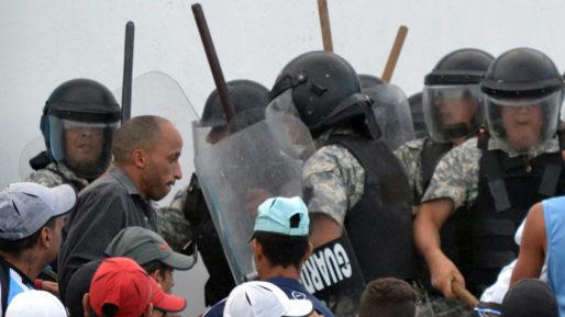 El 42 % de jóvenes y adolescentes uruguayos cacheados por la Policía asegura haber sufrido violencia física