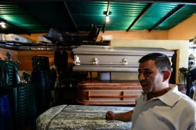 Los muertos que rechazan las funerarias en Venezuela