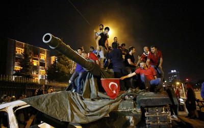 La alerta mundial que causó el fallido golpe en Turquía, país clave para combatir al Estado Islámico