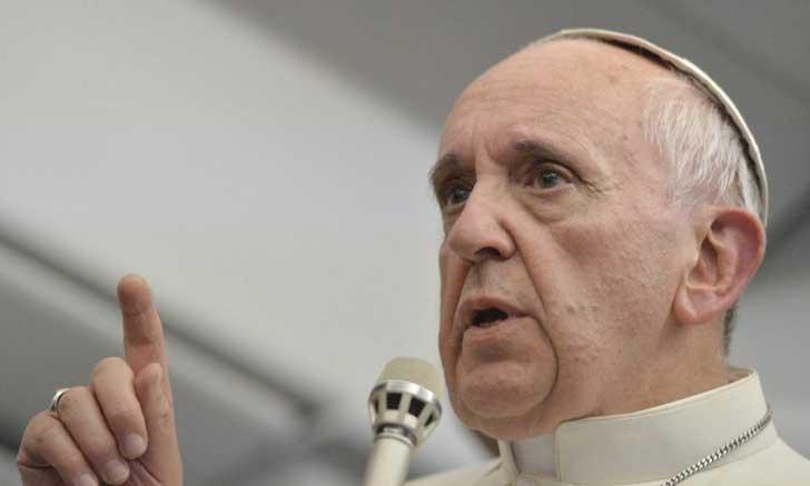 El Papa Francisco advierte a iglesias no cobrar por bautizos, comuniones y matrimonios