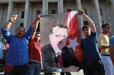Erdogan, el indomable 'sultán' de Turquía, tan admirado como detestado