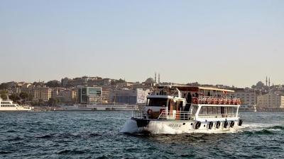 Estudiantes de Arquitectura uruguayos en Turquía ya cruzan a Grecia en ferry