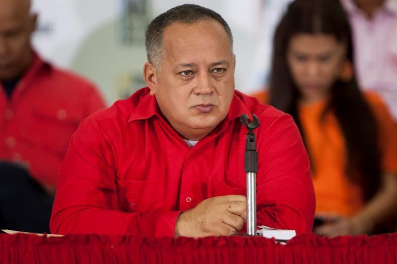 """Cabello advierte al """"pueblo"""" chavista que no puede reunirse con la oposición"""