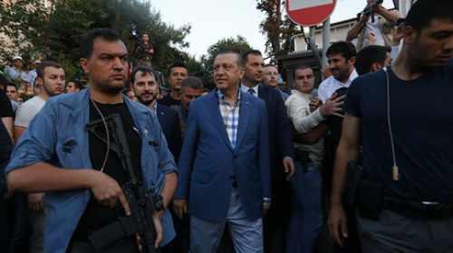 """Sultán Erdogan: """"Estimado Obama, arreste a Fetulá Gulen o entréguelo a Turquía"""""""