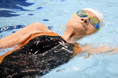 La nadadora japonesa de 101 años que quiere competir hasta Tokio-2020