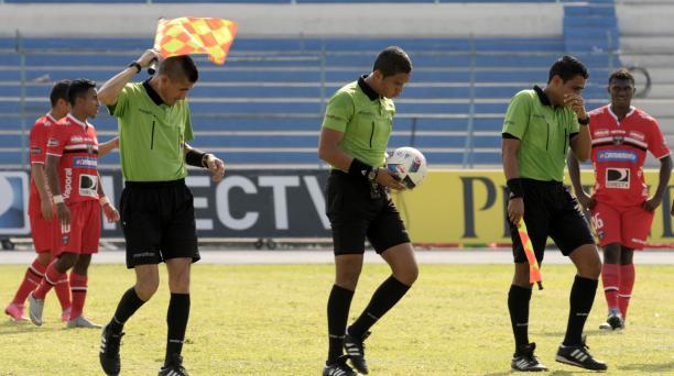 Suspenden partido de fútbol por el ataque de un enjambre de avispas
