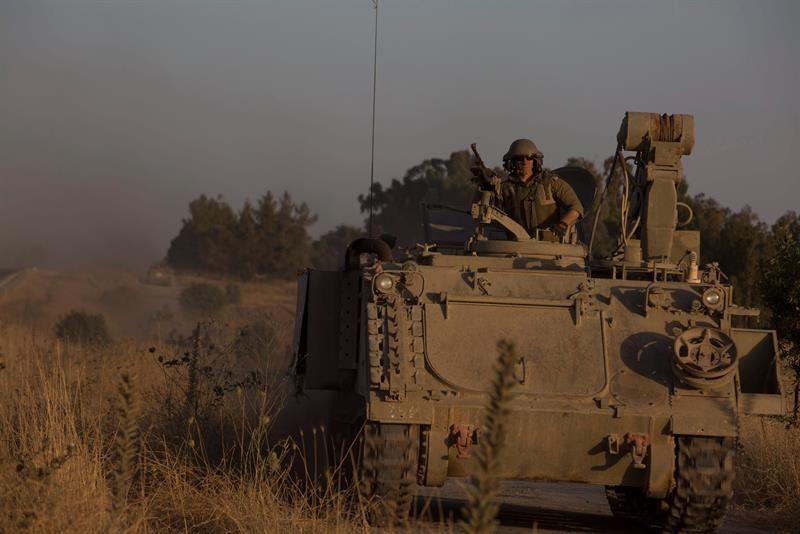 Artillería antiaérea de Israel intentó sin éxito tres veces derribar un dron procedente de Siria