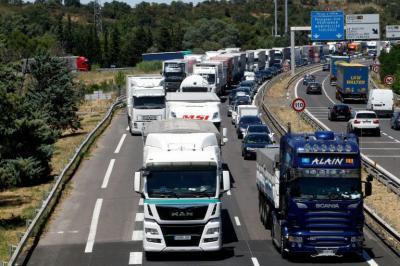 La UE impone una multa récord a un cartel de fabricantes de camiones