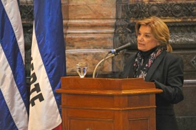 La Ministra de Medio Ambiente fue la cara visible del Gobierno en los actos de la Jura de la Constitución