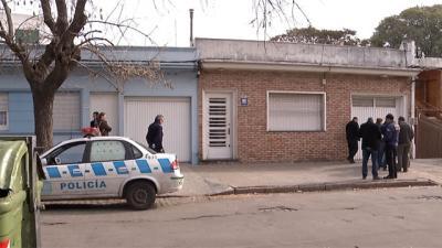 Asesinan a un hombre de 74 años en la puerta de su casa en Jacinto Vera