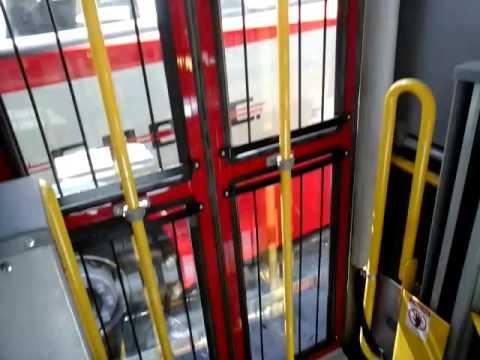 Chofer de ómnibus de Coetc fue filmado hablando por celular e hizo bajar a los pasajeros del coche