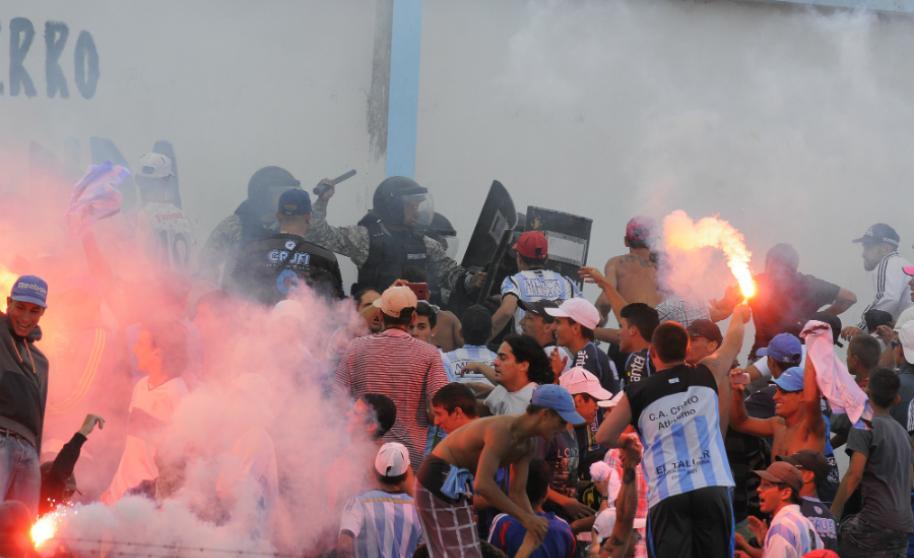 No hay marcha atrás: Policía no entrará a las canchas de fútbol, reiteró en conferencia el Ministerio del Interior