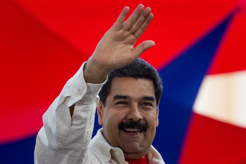 Maduro visita la compañía estadounidense expropiada que exportará papel higiénico