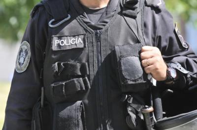 La succionaba y mordía: Comisario de Maldonado a prisión por acoso sexual contra subalterna