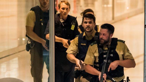 Al menos 6 muertos en un ataque en un centro comercial en Múnich