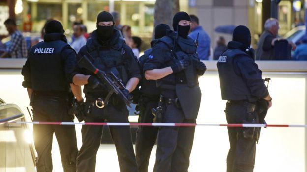 """Atacante de Múnich: """"Un joven alemán-iraní sin antecedentes criminales y que actuaba solo"""""""