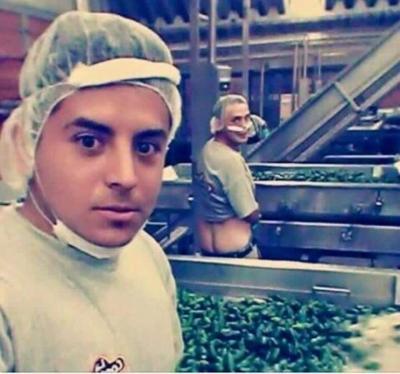 Foto de empleados mexicanos orinando sobre chiles causa revuelo