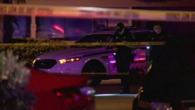 Dos muertos y 16 heridos en tiroteo en una discoteca de Florida, EEUU