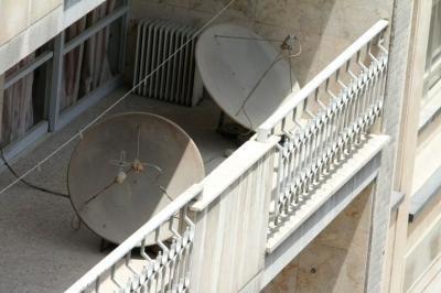 Irán destruye 100.000 antenas parabólicas