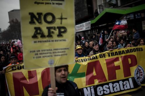 Más de 100.000 chilenos protestan en Santiago contra el sistema privatizado de pensiones