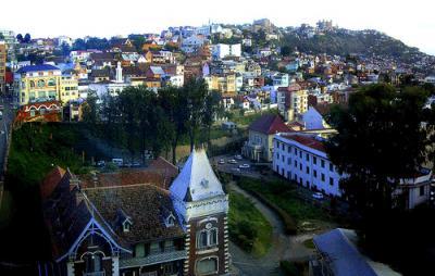 Incendio durante una fiesta deja 38 muertos en Madagascar