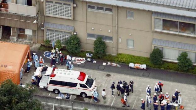Un joven mata con un cuchillo a 19 personas en un centro de discapacitados de Japón