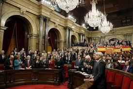 Parlamento catalán aprueba propuesta de secesión de España