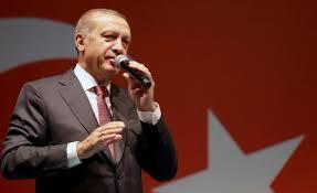 Gobierno de Turquía clausura 45 diarios y 16 cadenas de televisión