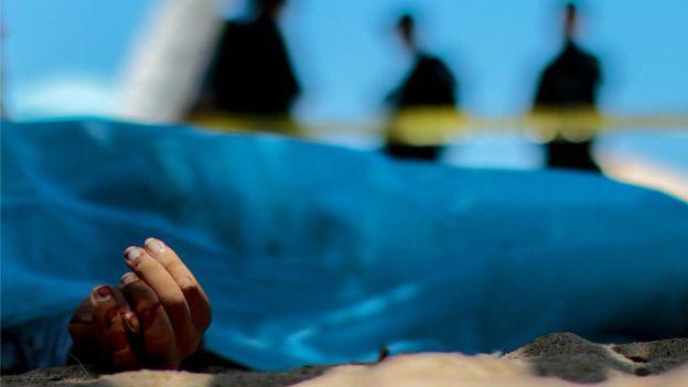 Masacrar familias enteras, la creciente práctica de terror de los narcos en México