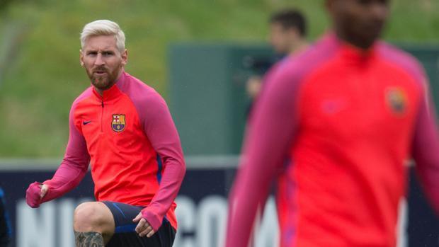 La AFA anuncia un viaje a Europa para hablar con Messi, Sampaoli y Berizzo