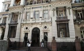 Casi la mitad de los uruguayos considera que el sistema judicial funciona mal; todos quieren eliminar la ferias judiciales