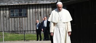 El Papa Francisco visitó Auschwitz y escribió este mensaje de dolor