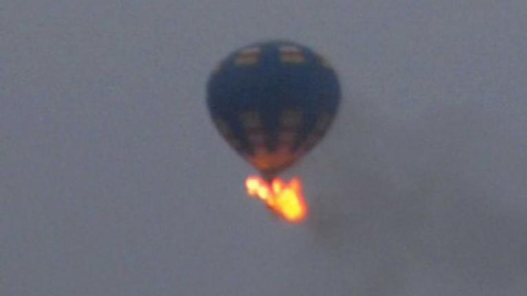 Se estrella globo aerostático con 16 personas en EE.UU.