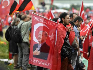 Tensión en Alemania por manifestación a favor de Erdogan