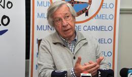 Astori contrario a eliminar exoneraciones en el IRAE por apoyos a universidades privadas